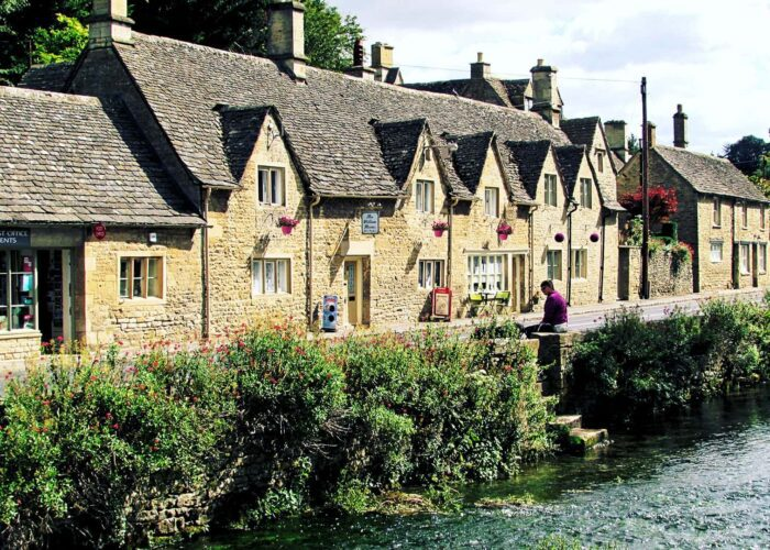 The Famous North Cotswolds Full Day Driver Guided Tour