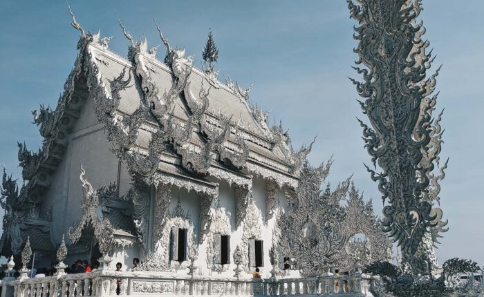 3 Colors of Chiang Rai : White Temple + Blue Temple + Black House