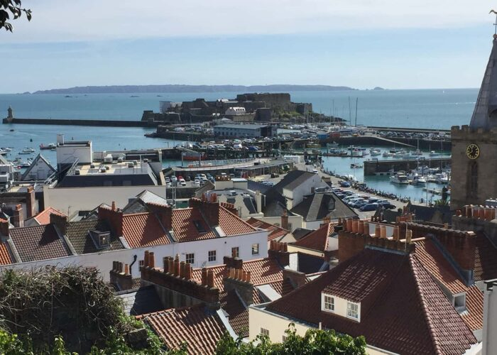 Town Walk & Castle Cornet Tour